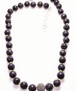 Girocollo lava nera, bead argento, filo verde, shadow