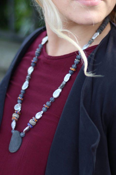 Collana Natural perle, corno, Ag.925, glass beads, 70 cm.