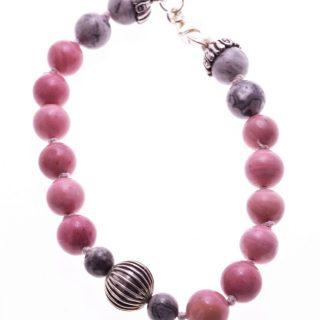 Bracciale rosa cipria, pietre dure, argento anticato, Shadow Bracciale con Rodonite rosa cipria e agata fossile grigia, preziosi componenti in argento anticato, chiusura e coppette in argento.