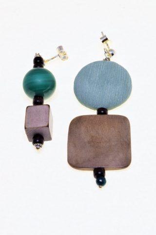 Orecchini Natural, legno, malachite verde Ag. 925 coppia di orecchini dalle forme e dimensioni diverse, legno, corno, malachite verde