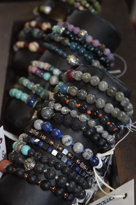 bracciali con pietre dure, vari colori, collezione: color-wrist