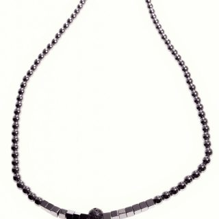 Girocollo lava, ematite nera, argento, Milla