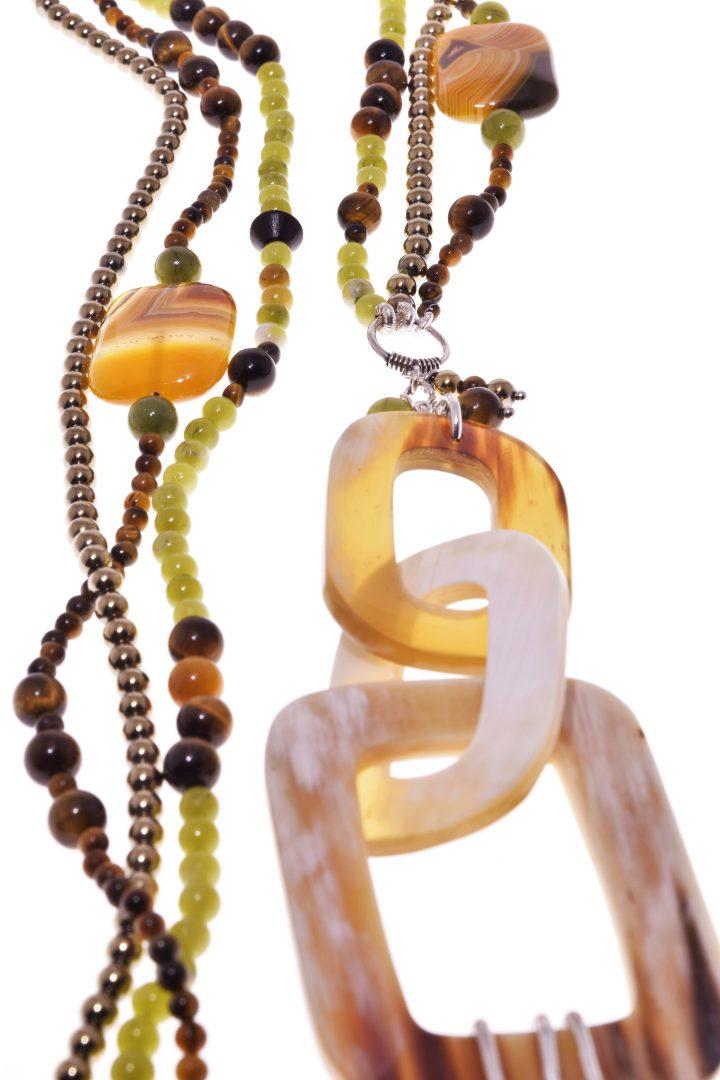 Collana Più fili, foresta, pietre dure, corno, argento, cm.75