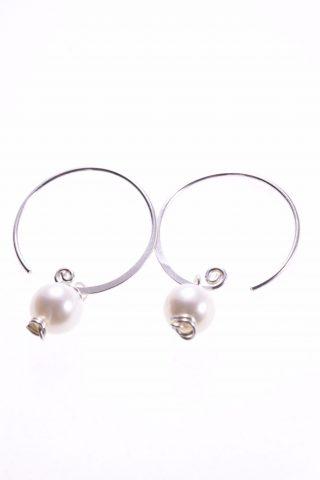 Orecchini a cerchio con perla, argento 925 Perla coltivata in acqua dolce, sferica, bella diametro 7 mm., orecchini fatti a mano.