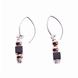 Orecchini pendenti argento, neri e rosé, Milla ematite orecchini disuguali e pendenti, minimal, piccoli, fatti a mano. made in Italy.