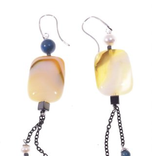 Orecchini pendenti disuguali, argento nero, pietra gialla orecchini fashion jewelry, italian earing, orecchini pietre dure, argento nero, orecchini estate. orecchini gialli, agata