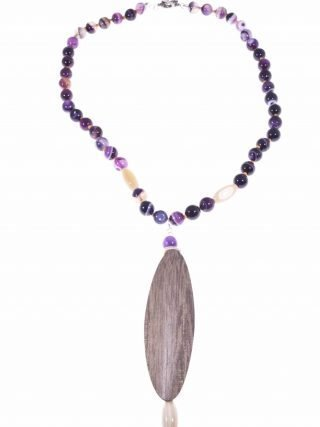 Collana pietre dure agata viola, ciondolo legno e corno di bufalo, collana Natural donna, chiusura argento anticato.