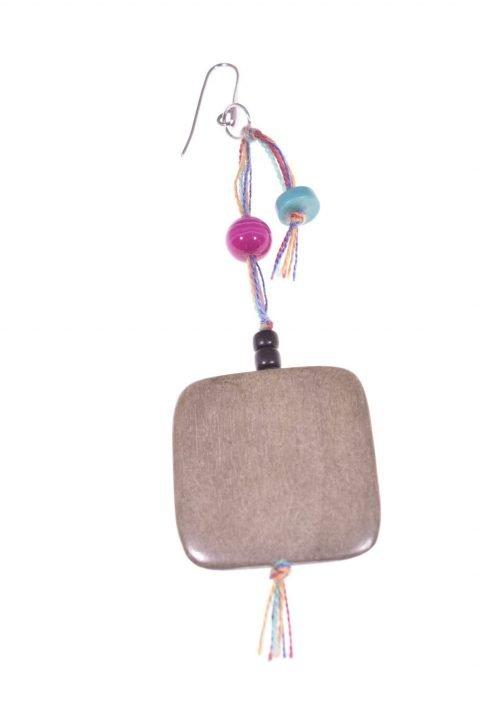 Mono-orecchino legno agata fucsia, argento -Mono-orecchino pendente quadrato in legno 3,5 x 5,5 cm. agata fucsia, turchese, cotone, catena argento 925.