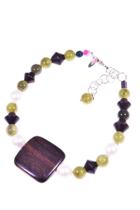 Bracciale donna, perle giada, legno quadrato, argento Bracciale giada verde canadese, perle coltivate, legno scuro, chiusura argento.