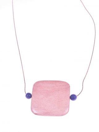 Girocollo argento rosa, legno e giada blu, square Girocollo con catenina in argento rosa con grande centrale in legno di rose e giada zaffiro blu.