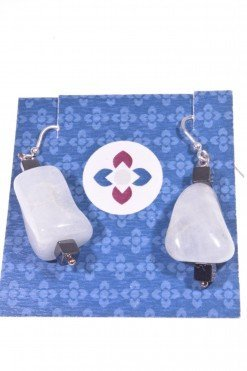 Orecchini sasso acquamarina ematite, argento Collezione: BluBasic Orecchini acquamarina a sasso, cubi ematite nera e pompeiana argento.