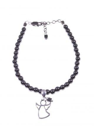Bracciale ematite nera, charm angelo argento Bracciale sfere Ø 4 mm. di ematite nera con pendente angelo in filo piatto argento 925 rodiato.