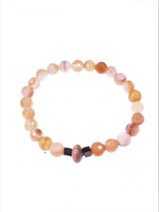 """Bracciale corniola, elastico, potere: protettivo attrattivo """"Magia delle pietre"""" -elastico- Bracciale corniola, legnoi rose, ematite, elastico interno."""