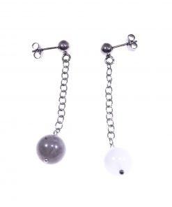 Orecchini pendenti argento nero, calcedonio e labradorite, catenina anellini in argento rodiato nero, orecchini disuguali, uno calcedonio, uno labradorite