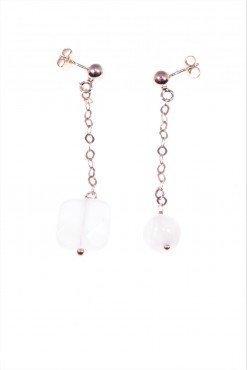 Orecchini pendenti, argento rosa, pietra di Luna Orecchini disuguali con catenina a rombi in argento rosa, un orecchino con pietra di luna, uno con agata b.