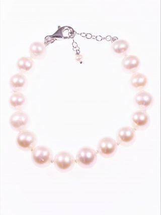 Bracciale perle 10 mm., argento collezione: perle Bracciale perle coltivate semisferiche Ø 10mm., chiusura in argento con catenina per la messa di misura.