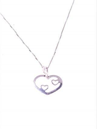 Catenina e cuori nel cuore, argento Linea ArgentoCatenina veneziana 40 cm. con ciondolo, cuore curvo con all'interno due cuori in argento 925 rodiato