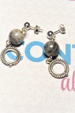 Orecchini argento anticato, labradorite Linea: Shadow  Collezione: dark Orecchini sfera labradorite e cerchio in argento anticato.