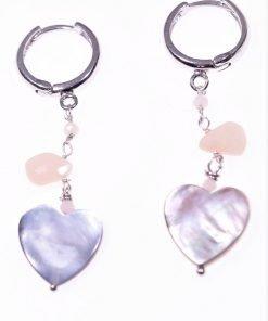 Orecchini cuore, argento, madreperla rodoniteLinea: Argento Orecchini argento con montatura a cerchio, catena con pietre rosa e cuore in madreperla.