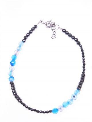 Bracciale minimal, ematite agata azzurra Bracciale semi rigido ematite naturale rondelle e sfere sfaccettate, agata azzurra, argento rodiato nero.