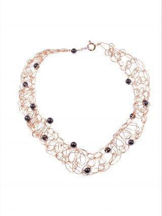 Bracciale uncinetto rame, ematite, filo di rame lavorato con l'uncinetto, chiusura in argento placcato oro rosa, inserti sfere ematite naturale.