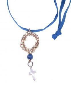 Collana ottanio, croce, agata, rame, cordino ottanio e grande pendente con motivo in filo di rame lavorato con l'uncinetto, croce