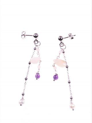 Orecchini pendenti rosario pietre rosa Orecchini due fili pendenti; una catenina tipo rosario in argento, un filo argento con gocce pietre naturali rosa.