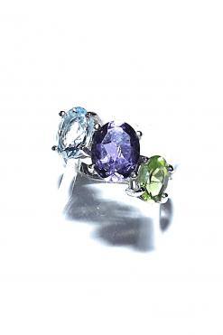 Anello classico 3 pietre colore